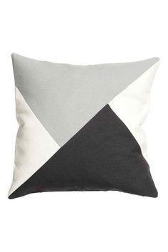 Color-block cushion cover in a woven cotton blend. Size 20 x 20 in. Sewing Pillows, Diy Pillows, Decorative Pillows, Throw Pillows, Diy Pillow Covers, Pillow Cover Design, Geometric Cushions, Scatter Cushions, Deco Retro
