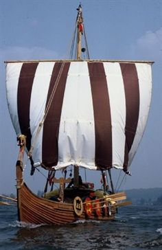 A Viking Longship Norway Viking, Old Sailing Ships, Viking Culture, Viking Life, Viking Ship, Viking Dragon, Norse Vikings, Wooden Ship, Norse Mythology