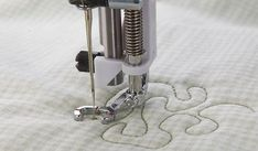 """The Husqvarna Viking Open Toe Stippling Foothas a large opening in the front, letting yousee clearlywhen free-motion quilting and embroidering. The """"floating"""" Husqvarna Viking Open Toe Stippling Feet aredesigned for models with the Sensor System, th Husqvarna Sewing Machine, Viking Sewing Machine, Sewing Machine Parts, Sewing Machines, Sewing Tools, Sewing Hacks, Q Tip Art, Machine Quilting, Machine Embroidery"""