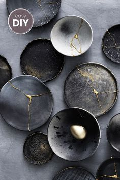 Kintsugi - what you need and how to do it - Ostern Dekoration Garten Beton Kintsugi, Ceramic Tableware, Ceramic Clay, Ceramic Pottery, Pottery Plates, Pottery Vase, Diy Clay, Clay Crafts, Greek Pottery