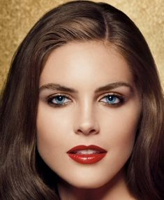 Make-up for blue eyes. Love this lady's look!