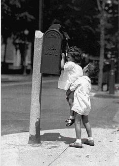 12 Interesting and Funny Vintage Photos Show the Gentlemen in the Past – Vintage photography – photos Vintage Humor, Funny Vintage Photos, Vintage Photographs, Precious Children, Beautiful Children, Photos Du, Old Photos, Black And White Pictures, Old Pictures