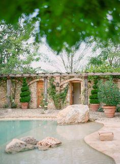 tuscan poolside...