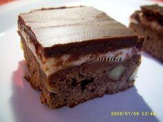 Brownies cappucino, Rețetă Petitchef Brownies, Caramel, Deserts, Food, Cake Brownies, Sticky Toffee, Candy, Essen, Postres