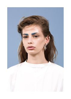 I saw (& fell in love with) these two-tone eyebrows while browsing Ryan Storer's ear cuffs. I will be trying at home. Trust. #beauty #accessories