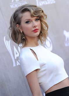 Taylor Swift - Arrivals at the Academy of Country Music Awards
