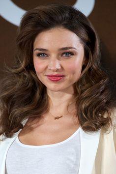 Oddly Appealing: Miranda Kerr's Big Ol' Bombshell Hair: Girls in the Beauty Department