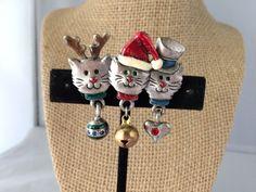 VTG. AJMC ENAMEL XMAS KITTY CATS BROOCH~SANTA/RUDOLPH/BELL