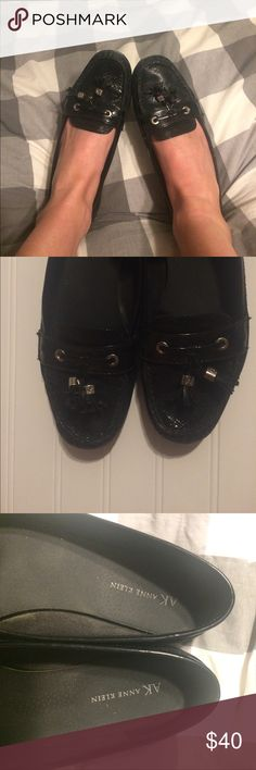 Anne Klein Tassel black flats size 8 penny loafers Black flats with loafer/ oxford style. Two tassels in the front with silver hardware. These have been worn- only the signs of wear are some fading in the color on top and scuff marks in the front as shown in photo. Still plenty of life left! I am moving and need to get rid of everything so feel free to make an offer ❤️ Anne Klein Shoes Flats & Loafers