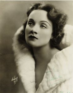 Dietrich's first American photo shoot: portrait by Chidnoff, New York (1930).