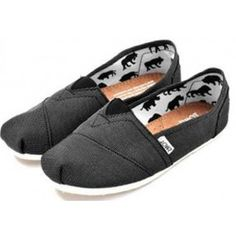 good to know / TOMS shoes outlet! More than half off!On Sale! / My kids love Toms. but theyre way too much for my budget. Cheap Toms Shoes, Toms Shoes Outlet, Black Toms, Red Toms, White Toms, Toms Classic, Men's Toms, Discount Toms, Shoe Sale