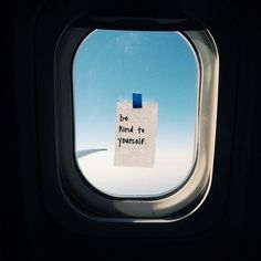 Lifting spirits: Flight attendant posts inspiring notes on airplane windows Words Quotes, Wise Words, Me Quotes, Quotes Women, Happy Quotes, Bible Quotes, Qoutes, Window Quotes, Airplane Window