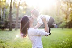 Ideas Baby Girl Photo Shoot Ideas 1 Year Studio For 2019 1 Year Pictures, Baby Pictures, Infant Pictures, Mother Daughter Photos, 1st Birthday Pictures, Girl Photo Shoots, Baby Girl Photos, Cute Family, Children Photography