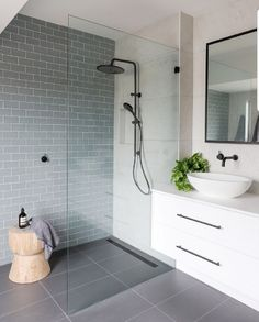 Beautiful bathroom decor tips. Modern Farmhouse, Rustic Modern, Classic, light and airy master bathroom design suggestions. Bathroom makeover tips and master bathroom remodel a few ideas. Luxury Master Bathrooms, Ensuite Bathrooms, Bathroom Renovations, Amazing Bathrooms, Small Bathroom, Bathroom Ideas, Remodel Bathroom, Bathroom Designs, Master Baths