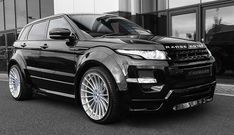 Range rover evoque harmann design // full black// love this car Range Rover Evoque, Range Rover Sport, Range Rovers, Rr Evoque, Range Rover Black, Maserati, Ferrari 458, Sexy Cars, Hot Cars