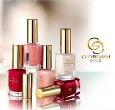 Esmalte de uñas efecto espejo By Oriflame. Espectacular efecto para que tus uñas esten siempre a la moda.
