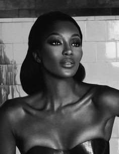 Naomi Campbell...I know people love to hate her, but this picture is gorgeous!