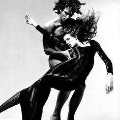 #Repost @idancecontemporary #Versace 1993  by Richard Avedon  #Photography #bnw  |\/|