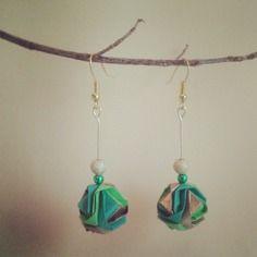 """Une paire de boucle d'oreille  origami """"minako"""" avec perles"""