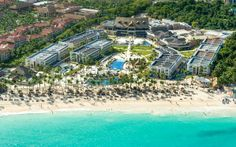 Con la presencia del presidente Medina inaugurarán oficialmente el Royalton Punta Cana y Memories Splash.