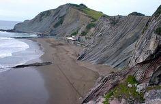 Itzurun, una de las playas de Zumaia. Guipuzcoa