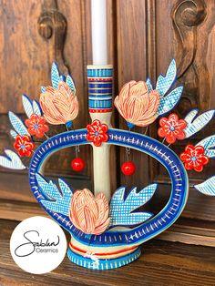 Handmade ceramic Mexican candleholder. #mexicanart #mexicanfolkart #folkart #candleholder #ofrendacandle #handmadepottery Handmade Ceramic, Handmade Pottery, Ceramic Painting, Ceramic Art, Mexican Colors, Kitsch Decor, Mexican Ceramics, Mexican Folk Art, Eclectic Decor