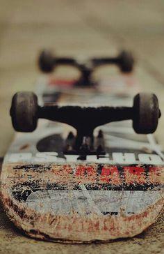 yo sé como andar en patineta. yo tiengo una    tablón. andar en patineta es divertirse.