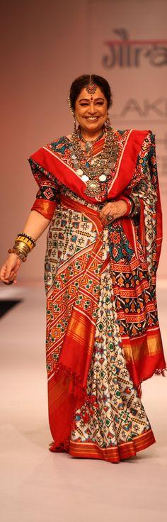 Kiran Kher in Gaurang Shah Patola saree - original pin by @webjournal