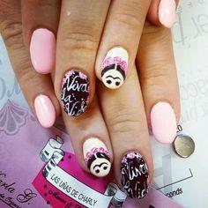 Frida Nails by Las uñas de Charly
