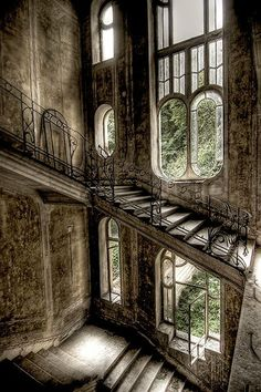 Beautiful, forgotten places...abandoned house in France.