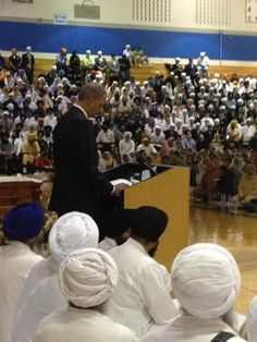 Eric Holder speaks at the funeral services in Oakcreek | Totella…story