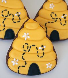 Its my turn to offer up a new use for the candy corn cutter. Beehive Sugar Cookies with daisy accents and an itty bitty bee! Bee Cookies, Candy Corn Cookies, Royal Icing Cookies, Heart Cookies, Cupcakes, Cupcake Cookies, Cookie Favors, Flower Cookies, Valentine Cookies