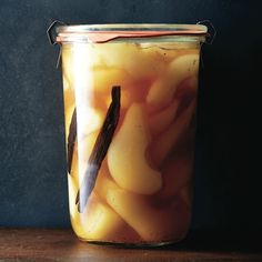 Earl grey and vanilla preserved pears. Serve this fragrant fruit & sauce over vanilla ice cream or thick yogurt. Fruit Tea Recipes, Plum Recipes, Snack Recipes, Pear Preserves, Canned Pears, Bartlett Pears, Pots, Prune, Vanilla