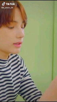 Bts Beautiful, Gorgeous Men, Foto Jungkook, Jimin, Heartless Quotes, Collage Des Photos, Baekhyun, Cute Asian Guys, Bts Funny Videos