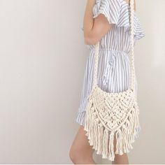 """좋아요 82개, 댓글 6개 - Instagram의 Knot & Ivory // Elle(@knot.and.ivory)님: """"It's the weeeekend! Do you love spending yours at the markets? This macramé market bag is…"""""""