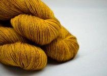 Uncommoj thread / Golden Praline