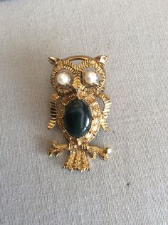 Vintage Owl Pendent or Brooch Jade Center by MiMisFavoriteThings
