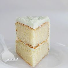 """The Perfect White Cake (i am baker). """"I have been searching for this cake for about two years now. In my experience, making white cake at home is just never as good as the bakery. I am not kidding when I tell you that this recipe is it. The fl Cupcake Recipes, Cupcake Cakes, Dessert Recipes, Frosting Recipes, Food Cakes, Homemade White Cakes, I Am Baker, Vanilla Cake, Vanilla Cupcakes"""