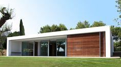 Arquitectura de una vivienda unifamiliar de diseño en el Mediterráneo