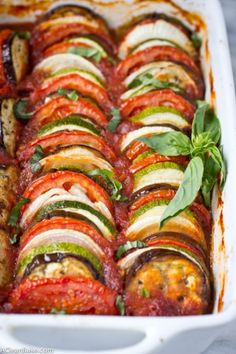 - Sounds fancy and complicated, but it is actually a fast, easy and flavorful meal that is perfect for weeknight dinners!Ratatouille - Sounds fancy and complicated, but it is actually a fast, easy and flavorful meal that is perfect for weeknight dinners! Paleo Recipes, Cooking Recipes, Meatless Recipes, Cooking Ideas, Fancy Dinner Recipes, Sunday Recipes, Vegetarian Recipes Light, Low Carb Vegitarian Recipes, Paleo Eggplant Recipes