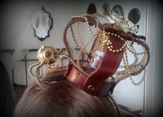 Little Queen VictoriaTesla's Gift. Steampunk lolita crown with vacuum tubes and mini automaton.