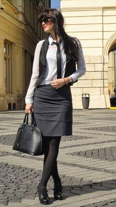 A Alexandra: OOTD: Business ideas Orice, Business Ideas, Leather Skirt, Ootd, Skirts, Style, Fashion, Moda, Leather Skirts
