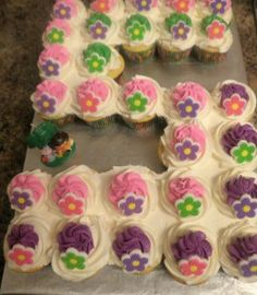 """5"" Flower Cupcake Cake"