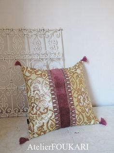 モロッコタッセル付きクッションカバー・クリームローズ - モロッコ雑貨とモロッコファッション Atelier FOUKARI