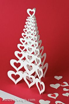 Ashbee Design: Valentine Heart Tree Tutorial Pretty straightforward pattern to recreate in page/drawplus. Valentine Tree, Saint Valentine, Valentine Day Love, Valentine Day Crafts, Holiday Crafts, Holiday Fun, 3d Cuts, Valentines Bricolage, Heart Tree