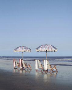 Bold stripe beach towels and umbrella Timber Wood, Reclaimed Timber, Mallorca Beaches, Nautical Looks, Beach Umbrella, Bold Stripes, Beach Chairs, Beach Club