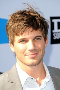 matt lanter   Matt Lanter Actor Matt Lanter arrives at the 2011 VH1 Do Something ...