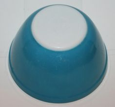 Vintage Pyrex Mixing Nesting Bowl Primary Color Blue #401 1 pint