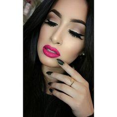 Flawless Makeup, Glam Makeup, Hair Makeup, Makeup Is Life, Makeup Looks, Bright Pink Lips, Glitter Lips, Makeup Inspiration, Makeup Ideas