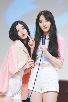 Xiyeon & Roa